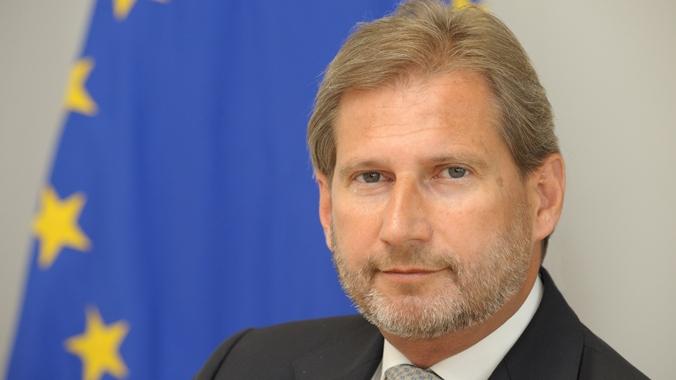 EU commissioner Hahn visits Sarajevo