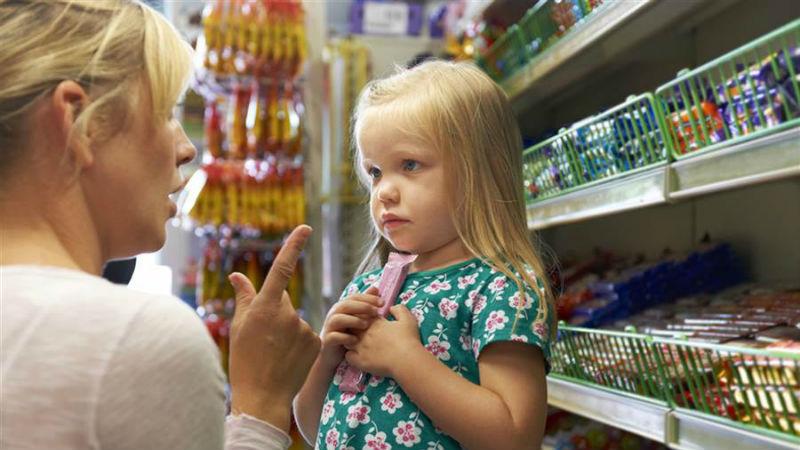 ПРИРАЧНИК: Како да не полудите кога детето има напад на бес