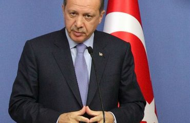Erdogan signs accords on first visit to Sudan