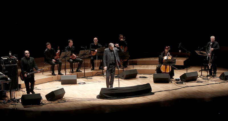 CONCERT OF BLIXA BARGELD AND TEHO TEARDO: Dark and energetic music theater in three languages