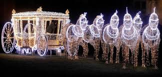 Божиќно украсување на Варшава