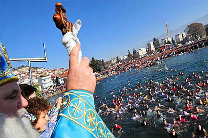 Orthodox faithful celebrate Epiphany