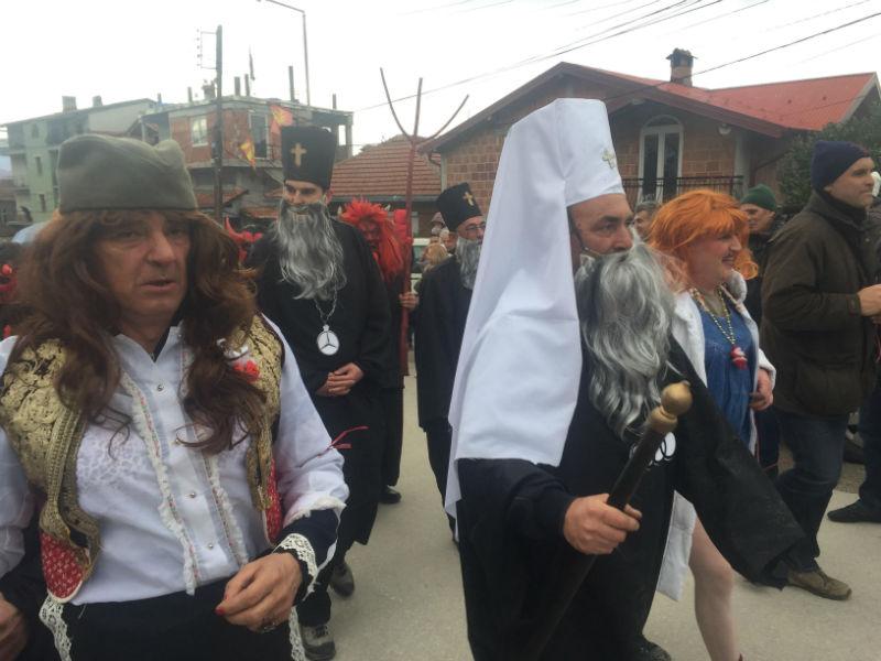 Патните трошоци  тепачката во Собранието меѓу маските на Вевчанскиот карневал
