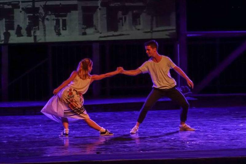 """""""La La La"""" ballet in MOB"""