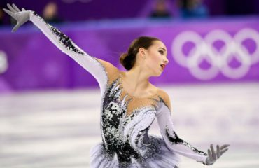 (ВИДЕО) ЗОИ 2018: Петнаесетгодишната Алина Загитова е кралица на мразот