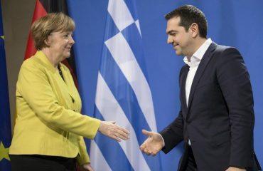 Ципрас ургирал кај Меркел за промена на Уставот
