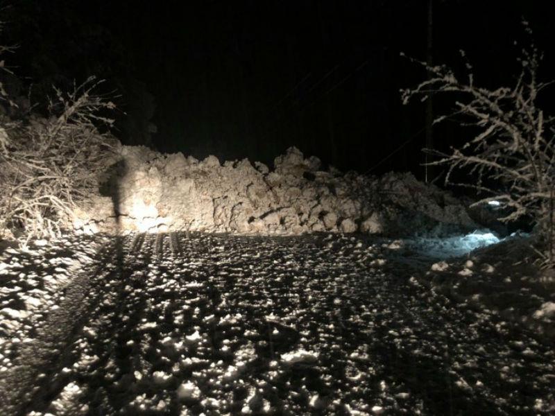 Лавина се сруши кај Бигорски манастир   сообраќајот е блокиран