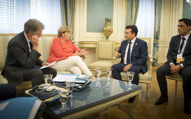 Merkel discussed the name dispute with Zaev and Tsipras