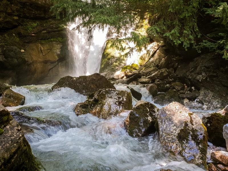 (ФОТО/ВИДЕО) Изворите на Бабуна - недопрена природа што маѓепсува