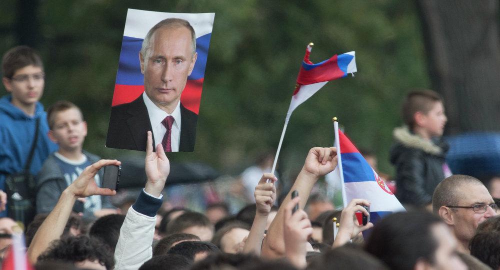 """Putin in Belgrade calls Serbia """"sister country"""""""