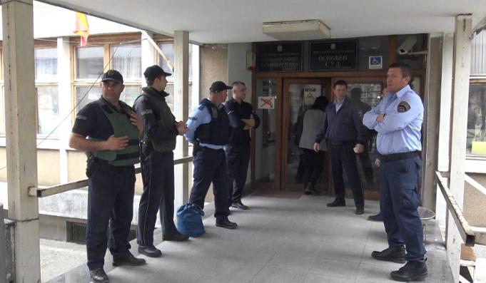 Битолскиот полицаец осуден на 18 години затвор за свирепото убиство на свој сограѓанин