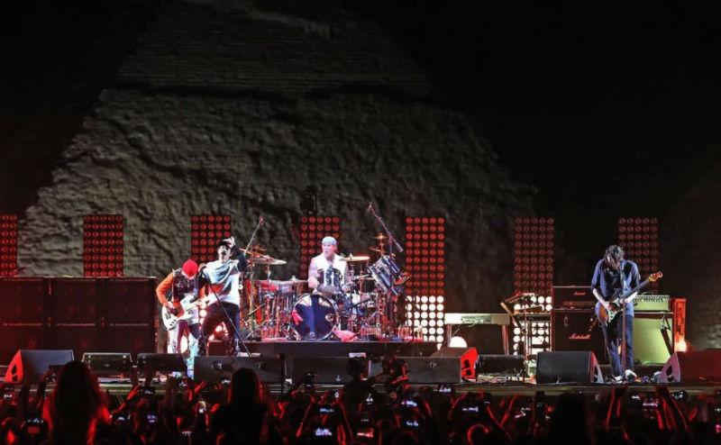 """""""Ред хот чили пејперс"""" со ексклузивен концерт пред пирамидите во Гиза"""