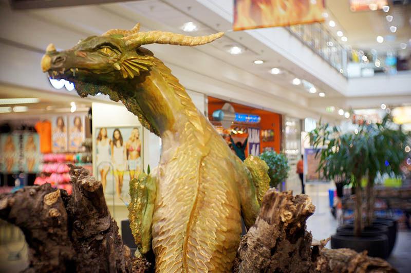 """Уникатната изложба """"Во земјата на змејовите"""" дојде во Скопје"""