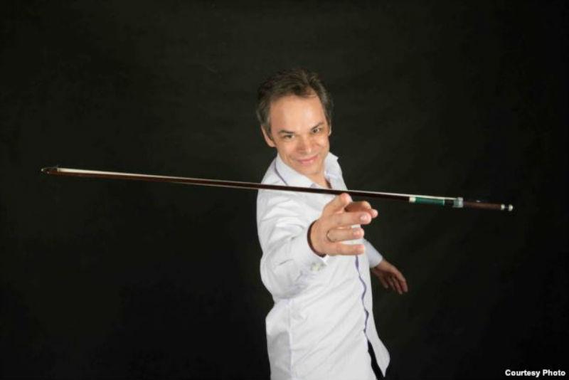 Австрискиот виолинист Бенџамин Шмит – солист на концертот на Филхармонијата