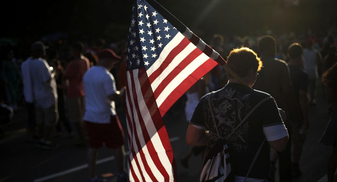 Американски христијански фундаменталисти финансираат активисти и десничарски екстремисти во Европа