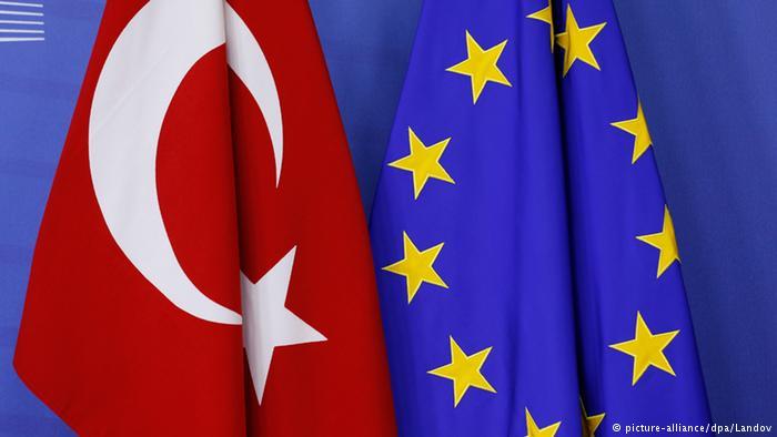 Европскиот парламент побара прекин на преговорите за членство на Турција во ЕУ