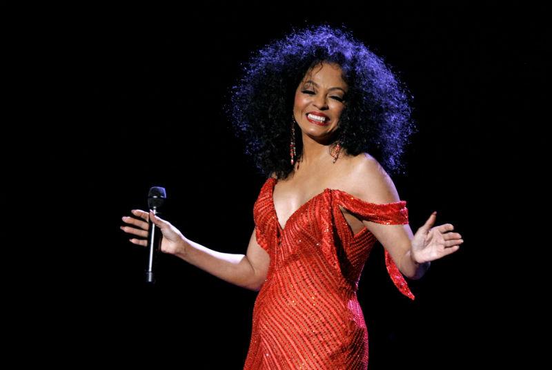 Дајана Рос наполни 75 години: Поп-иконата славеше со холивудската елита
