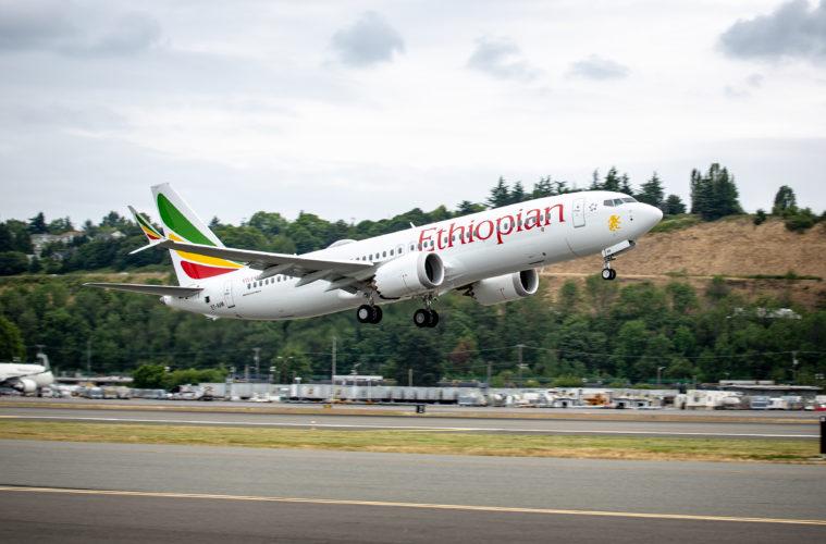 """Авион на """"Етиопијан ерлајнс"""" со 157 патници се урна шест минути по полетувањето"""