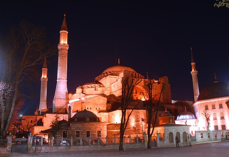 Ердоган најави можност Света Софија да се пренамени во џамија