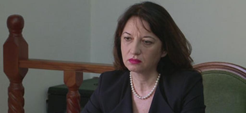 Skandali me pasaportat, shkarkohet ambasadorja shqiptare në Athinë