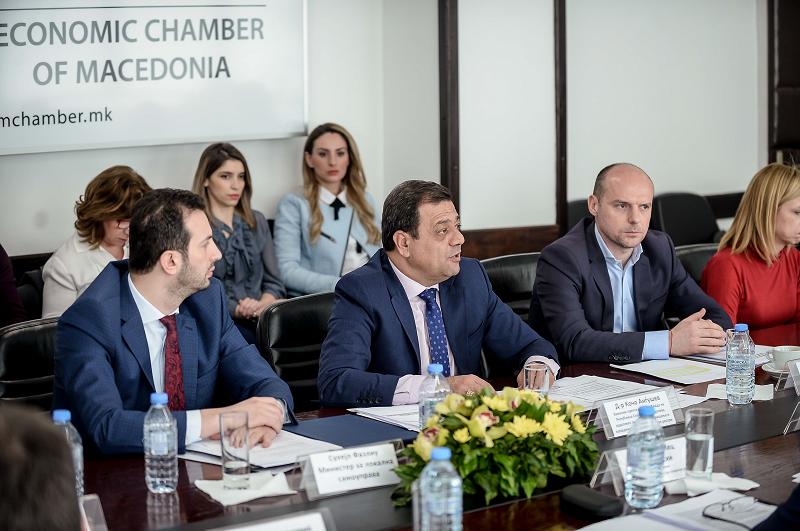 """Анѓушев: Парите да не се насочуваат во неефикасни проекти како """"Скопје 2014"""""""