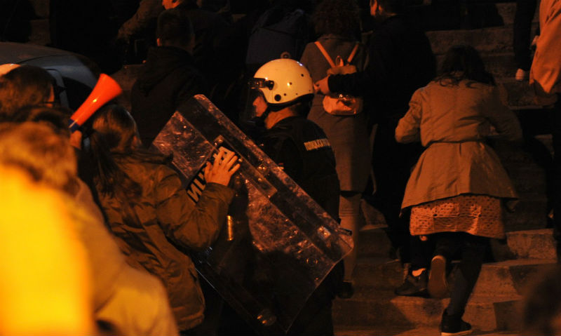 Serbia: President Vucic to address the people after storming of state TV building RTS