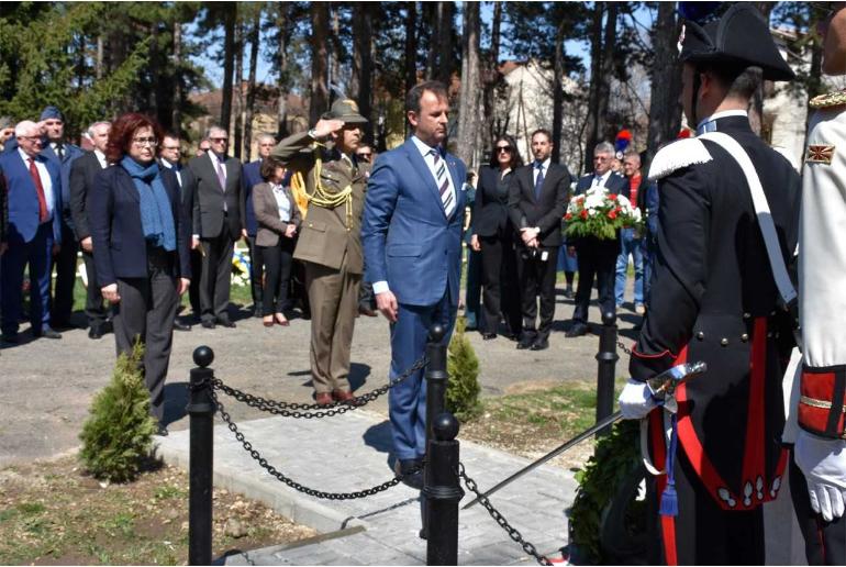Во Битола поставен споменик на загинати италијански војници во Првата светска војна